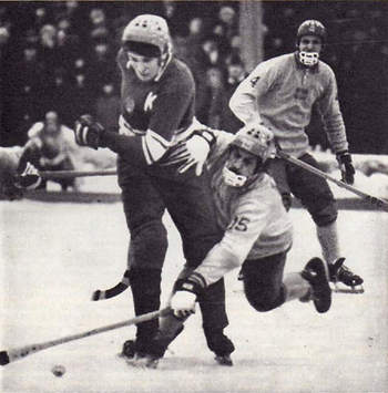 Остро играл хоккеист московского «Динамо» и сборной СССР Валерий Маслов. Остановить его проходы соперникам было нелегко